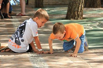 Strategie używania języka mniejszości przez dzieci dwujęzyczne