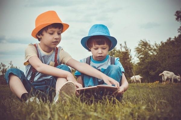 Jak wybierać książki dla dzieci uczących się polskiego?