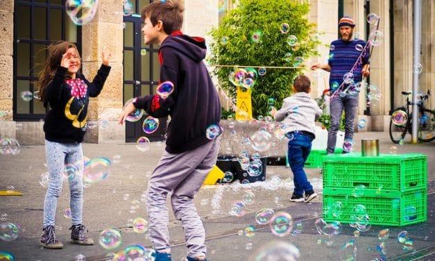 Kontakty z dziećmi w Polsce dwujęzycznego dziecka
