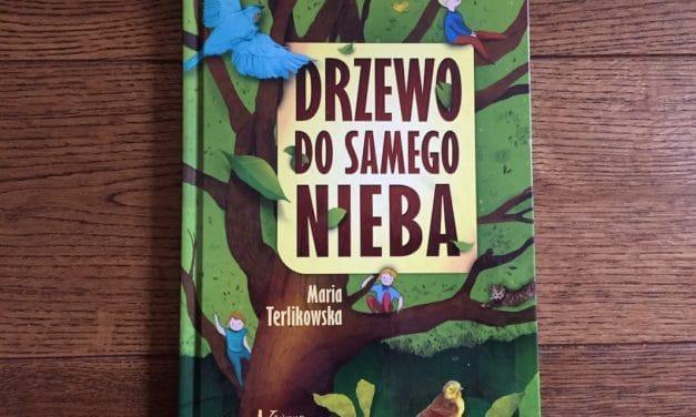 """""""Drzewo do samego nieba"""": ekologiczna opowieść o życiu pewnej kamienicy"""